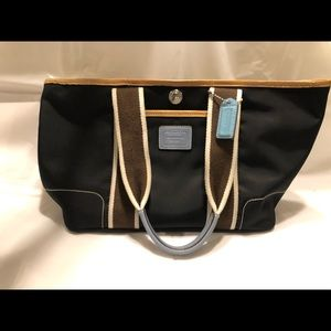 Authentic Coach Hampton Medium Black Tote Purse